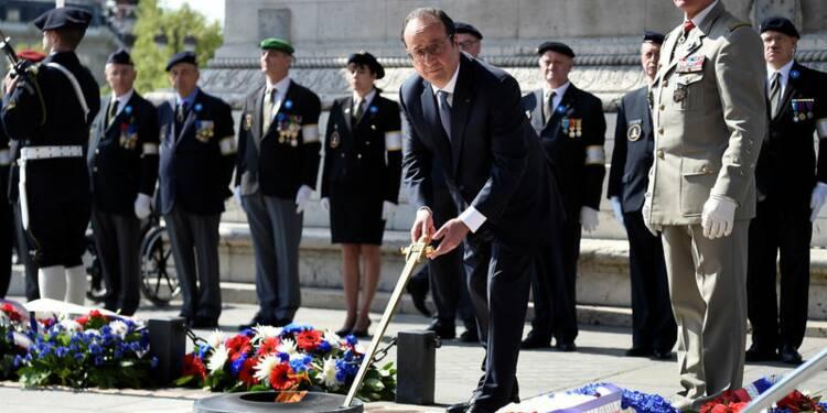 Cérémonie du 8 mai: François Hollande défend son bilan