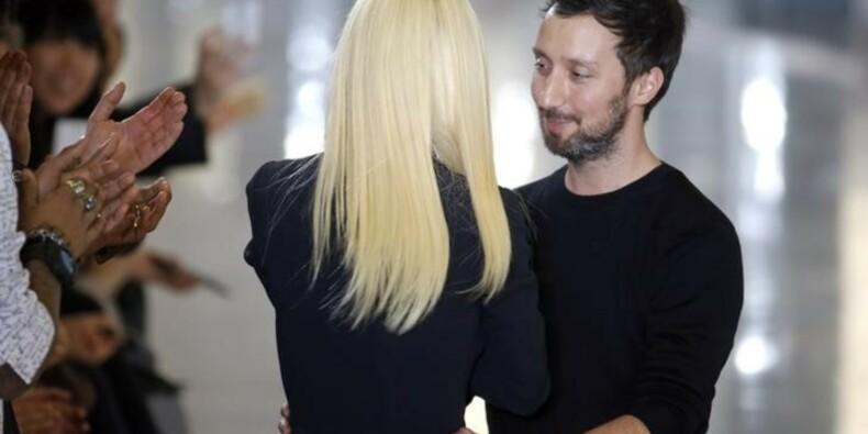 Anthony Vaccarello succède à Hedi Slimane chez Saint Laurent