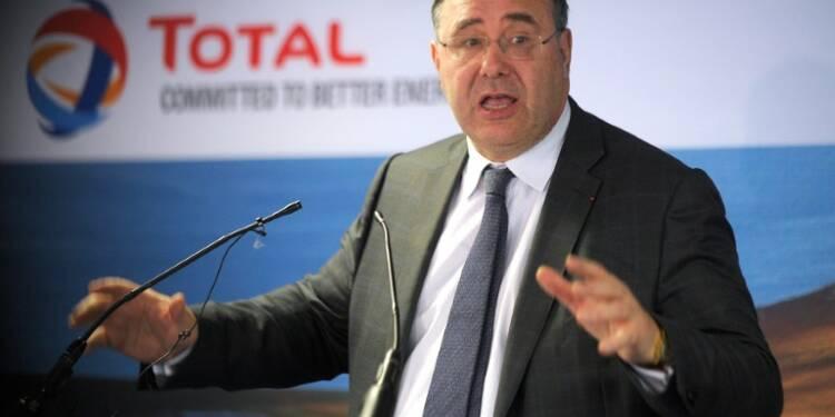Salaires des patrons: le PDG de Total met en garde contre les conséquences d'une loi