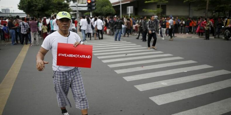 Un suspect tué, deux arrêtés après les attentats de Djakarta
