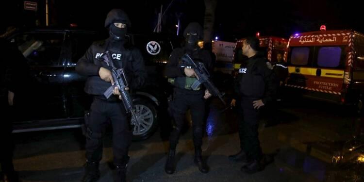 Douze morts dans un attentat à Tunis, l'état d'urgence décrété
