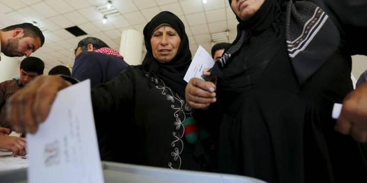 Les Syriens appelés à voter dans un pays en guerre