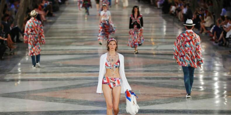 Chanel fait défiler ses modèles à La Havane