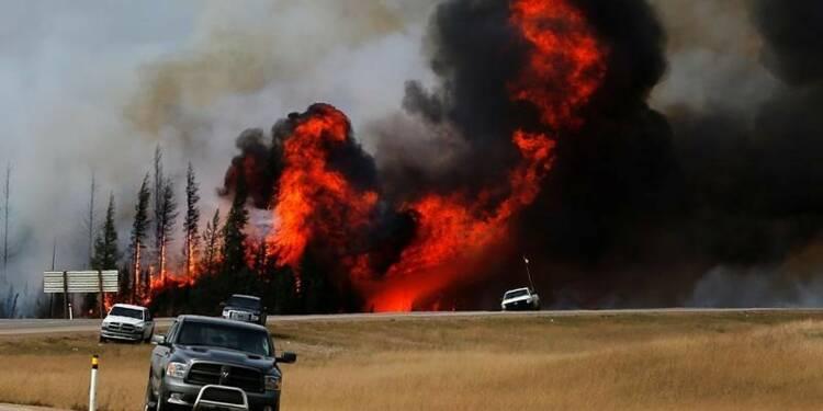 L'incendie dans l'Alberta pourrait encore doubler de surface