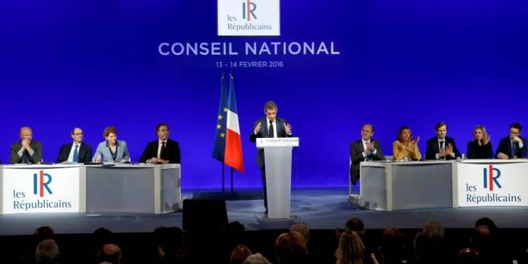 """Sarkozy défend un projet """"collectif"""" pour isoler ses rivaux"""