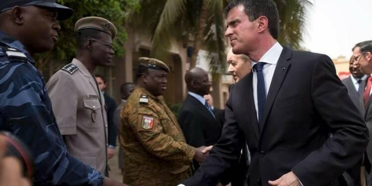 Valls promet de renforcer la coopération militaire au Sahel