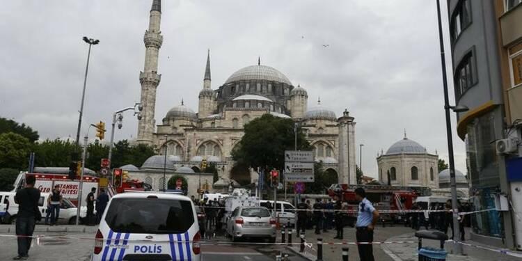 Attentat contre deux bus de la police à Istanbul, 11 morts