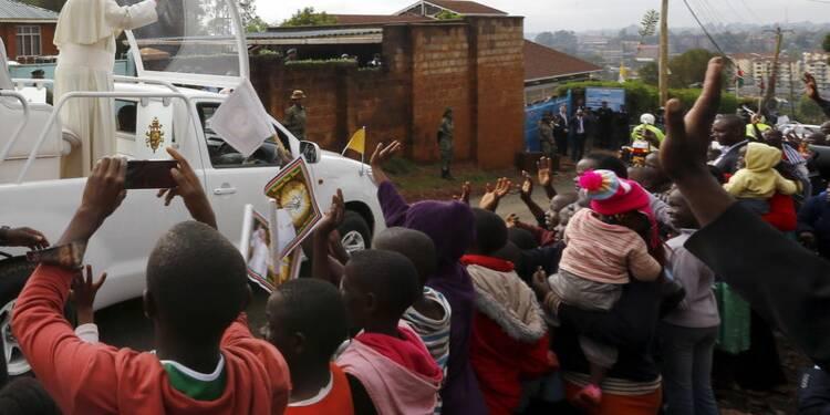 Au Kenya, le pape dénonce les inégalités et la radicalisation
