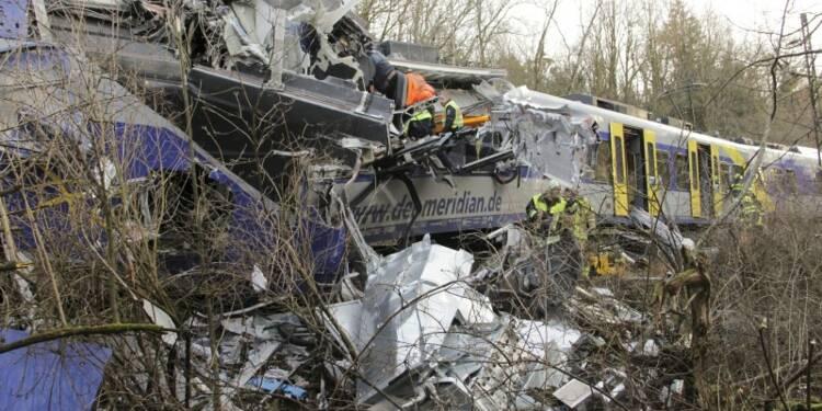 Dix morts, 81 blessés dans un accident de train en Bavière