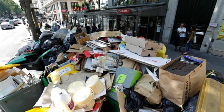 Les ordures en cours de ramassage à Paris, assure Anne Hidalgo