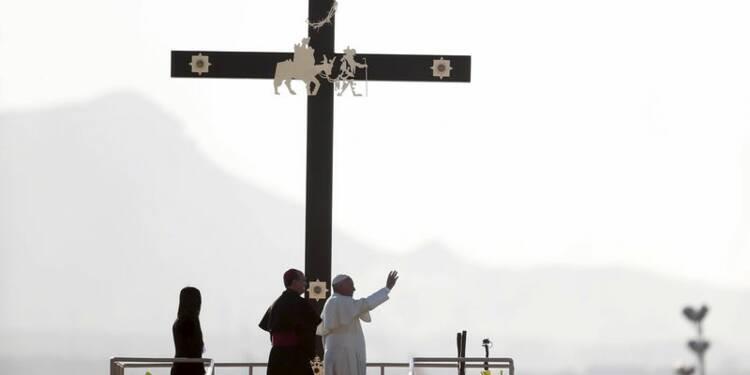 Au Mexique, le pape célèbre une messe à la frontière américaine