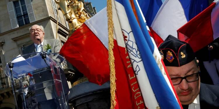 Duel des statues de Jeanne d'Arc entre Le Pen père et fille