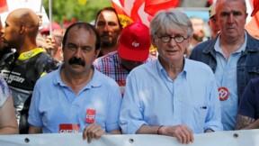 Hollande oppose sa fermeté aux syndicats, qui visent Valls