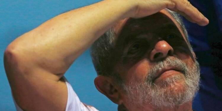 L'ex-président brésilien Lula inculpé pour entrave à la justice
