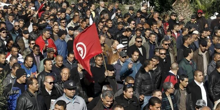 Les policiers tunisiens dans la rue pour des hausses de salaires