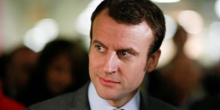 """Macron rend hommage à Jeanne d'Arc qui a su """"rassembler"""""""