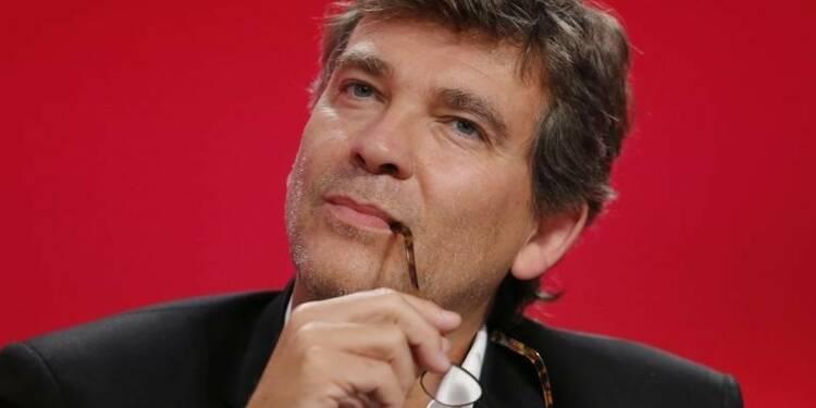 """Une candidature de Montebourg à la primaire à gauche """"plausible"""""""