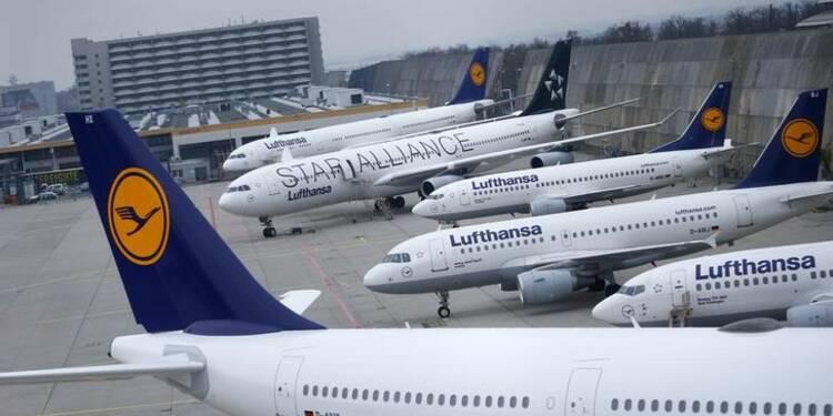 Lufthansa prévoit des résultats 2016 en hausse grâce au kérosène