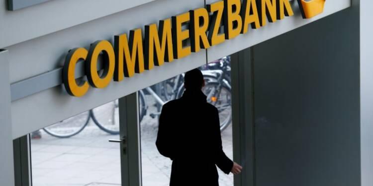 Commerzbank avertit sur son bénéfice 2016, le titre plonge