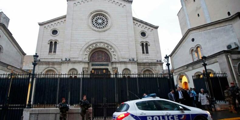 Cazeneuve garantit aux juifs de France qu'ils resteront protégés