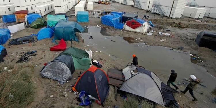 Premiers logements en dur ouverts à Calais pour les migrants