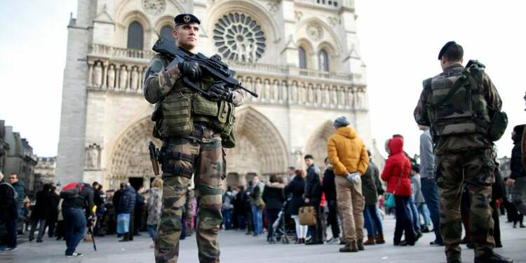 11.000 policiers, soldats, pompiers mobilisés à Paris pour le 31