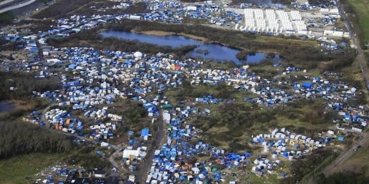 "Bernard Cazeneuve défend l'évacuation de la ""jungle"" de Calais"