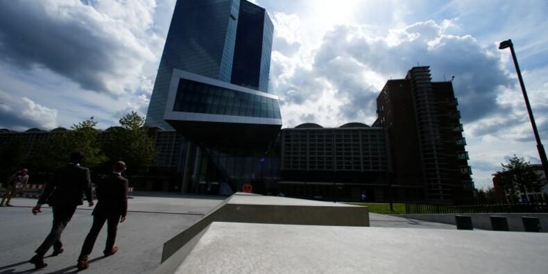 La BCE demande aux membres du directoire de tenir leur langue