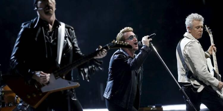 A Bercy, U2 rend hommage aux victimes des attentats de Paris