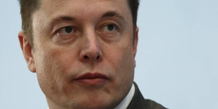 Tesla vise désormais les camions, les bus et le covoiturage