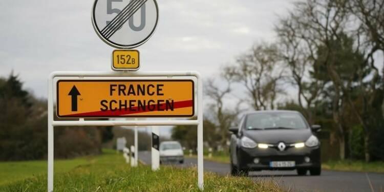 Rétablir des contrôles systématiques aux frontières coûterait des milliards à la France