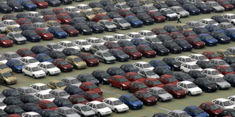 Le marché automobile stable en mai, rebond de la production