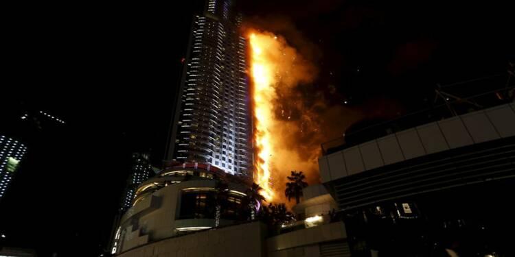 L'incendie de Dubaï est maîtrisé, l'enquête commence