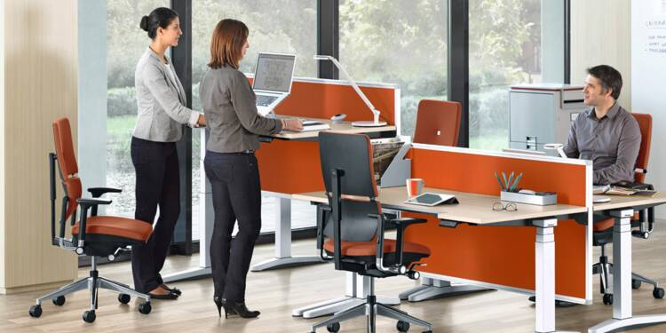 4 bonnes raisons d'adopter le bureau modulable assis-debout