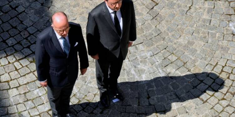 Cazeneuve exclut de démissionner