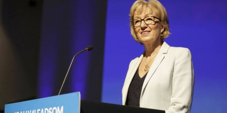 Andrea Leadsom renonce à briguer la succession de David Cameron