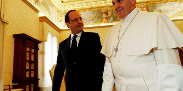 Hollande reçu par le pape pour resserrer les liens