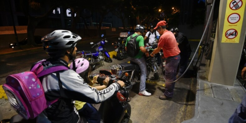 Le Venezuela, une économie au bord du gouffre, suspendue à l'aléa du pétrole
