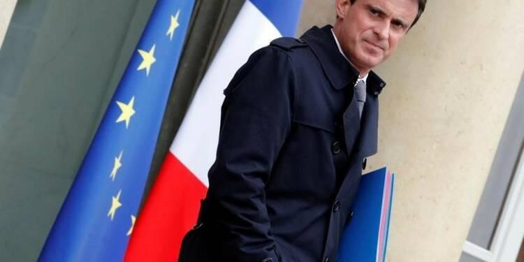 Manuel Valls cible la droite pour remobiliser le PS