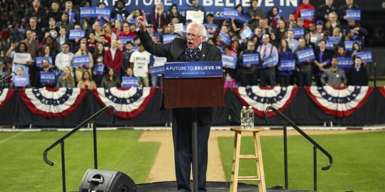 Bernie Sanders réduit l'écart avec Hillary Clinton
