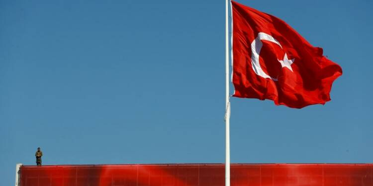 Erdogan rejette les critiques de l'Occident contre les purges