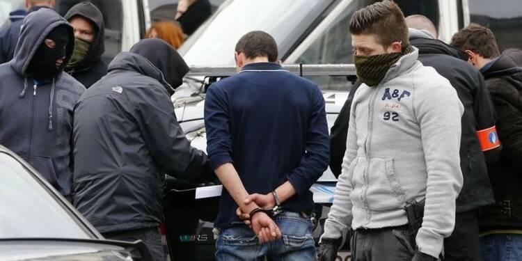 Militants d'extrême droite et antiracistes arrêtés à Bruxelles