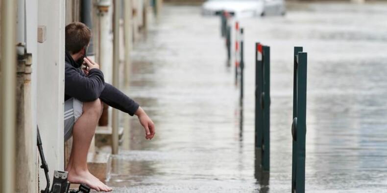 Deux départements les pieds dans l'eau, vigilance à Paris