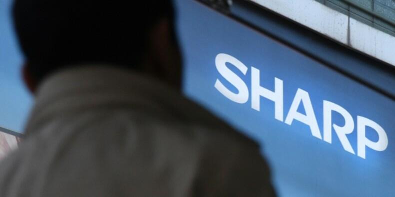 Le numéro 2 de Hon Hai va prendre la tête de Sharp, 3.000 suppressions de postes à l'étude