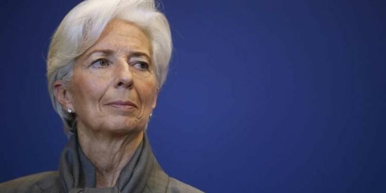 Le FMI abaisse ses prévisions et redoute la stagflation