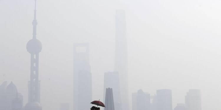 Shanghai pris dans un brouillard de pollution