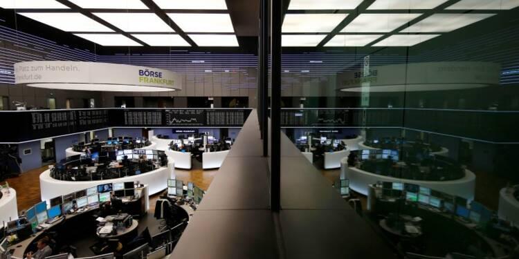 L'Europe clôture en forte baisse, le pétrole inquiète