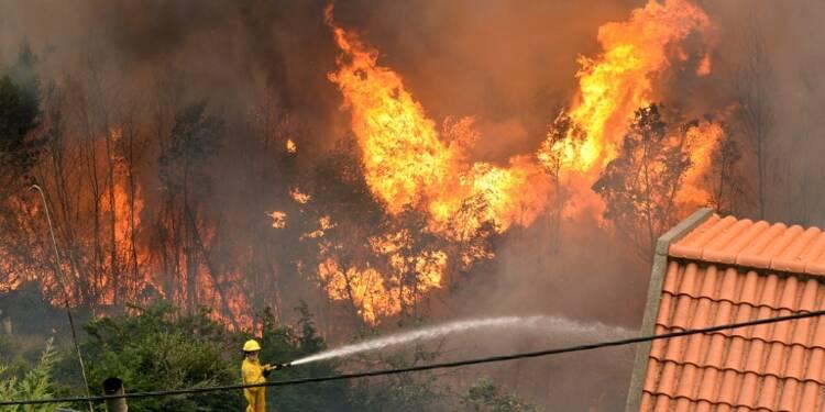 Incendies au Portugal: trois morts à Madère, un millier de personnes évacuées