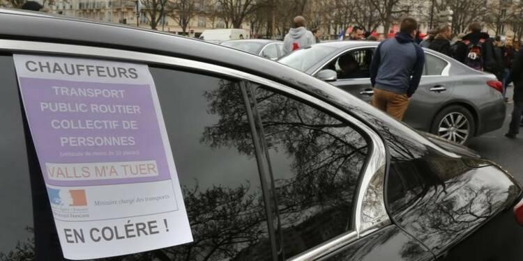 Uber suspend son application en signe de soutien aux VTC