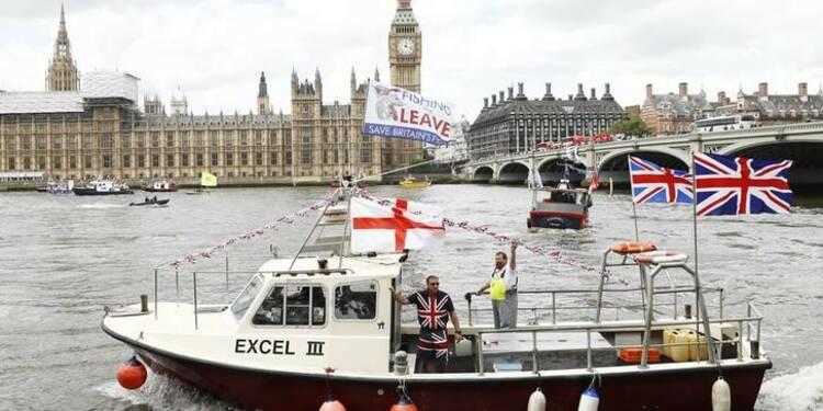 Brexit: Hollande insiste sur l'application des règles de sortie